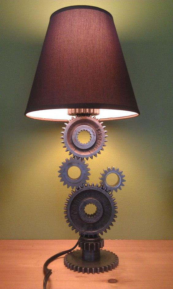 A lamp made with customized metal cogs as base